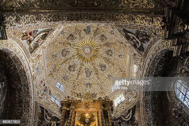Ceiling in the dome of the Capilla del Rosario, Chapel of the Rosary, Iglesia de Santo Domingo, Puebla, Mexico.