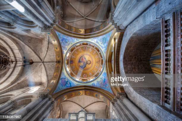 ceiling of the catholicon - chiesa del santo sepolcro foto e immagini stock