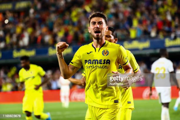 MOI GOMEZ celebrate after scoring the 12 goal with his teammate during Spanish La Liga match between Villarreal cf and Real Madrid at La Ceramica...