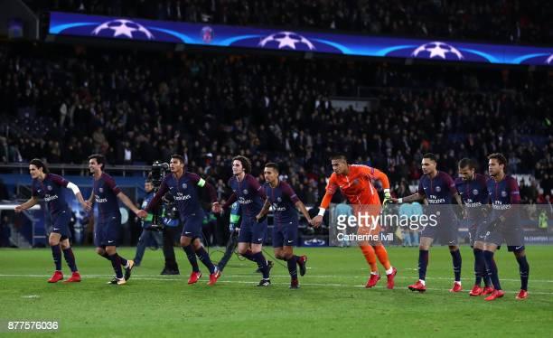 PSG celebrate towards the fans during the UEFA Champions League group B match between Paris SaintGermain and Celtic FC at Parc des Princes on...