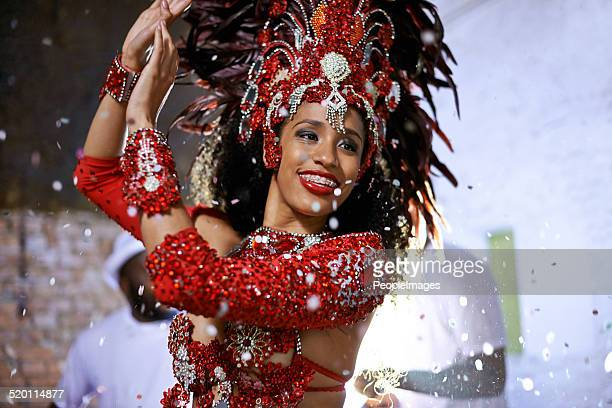 celebrating in style - brazilian carnival stock pictures, royalty-free photos & images