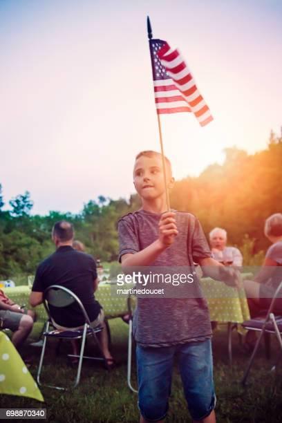 """feiert unabhängigkeitstag im camping. - """"martine doucet"""" or martinedoucet stock-fotos und bilder"""