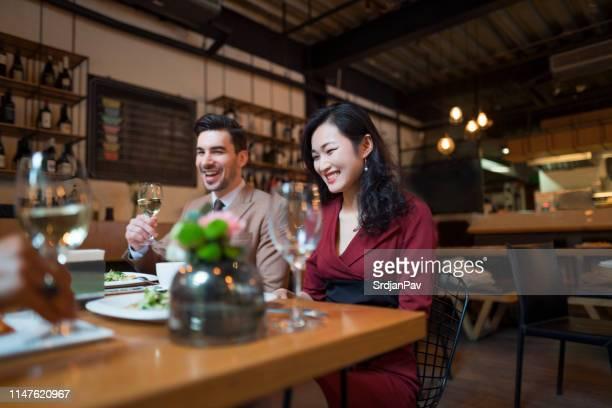 viering van de succesvolle businessweek - elite stockfoto's en -beelden