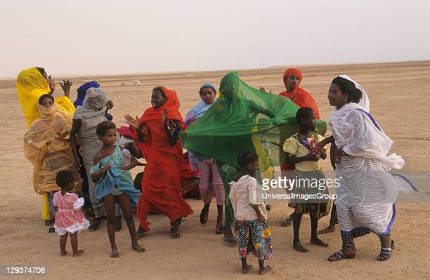 Celebration Party Mauritania Banc Darguin National Park Imaraguen Women Celebrate The Arrest Of Pirate Fishermen