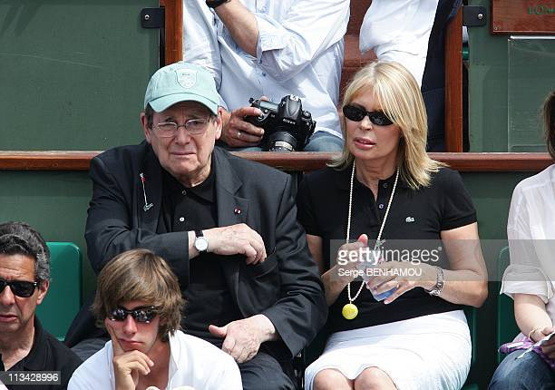 Celebrities At 2009 Roland Garros Tournament In Paris France On May 25 2009 Robert Hossein and Candice patou