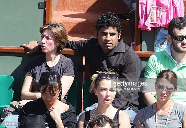 Celebrities At 2009 Roland Garros Tournament In Paris France On May 29 2009 Anais and a friend