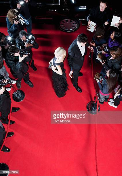 celebrities working on red carpet - celebrities photos stock pictures, royalty-free photos & images