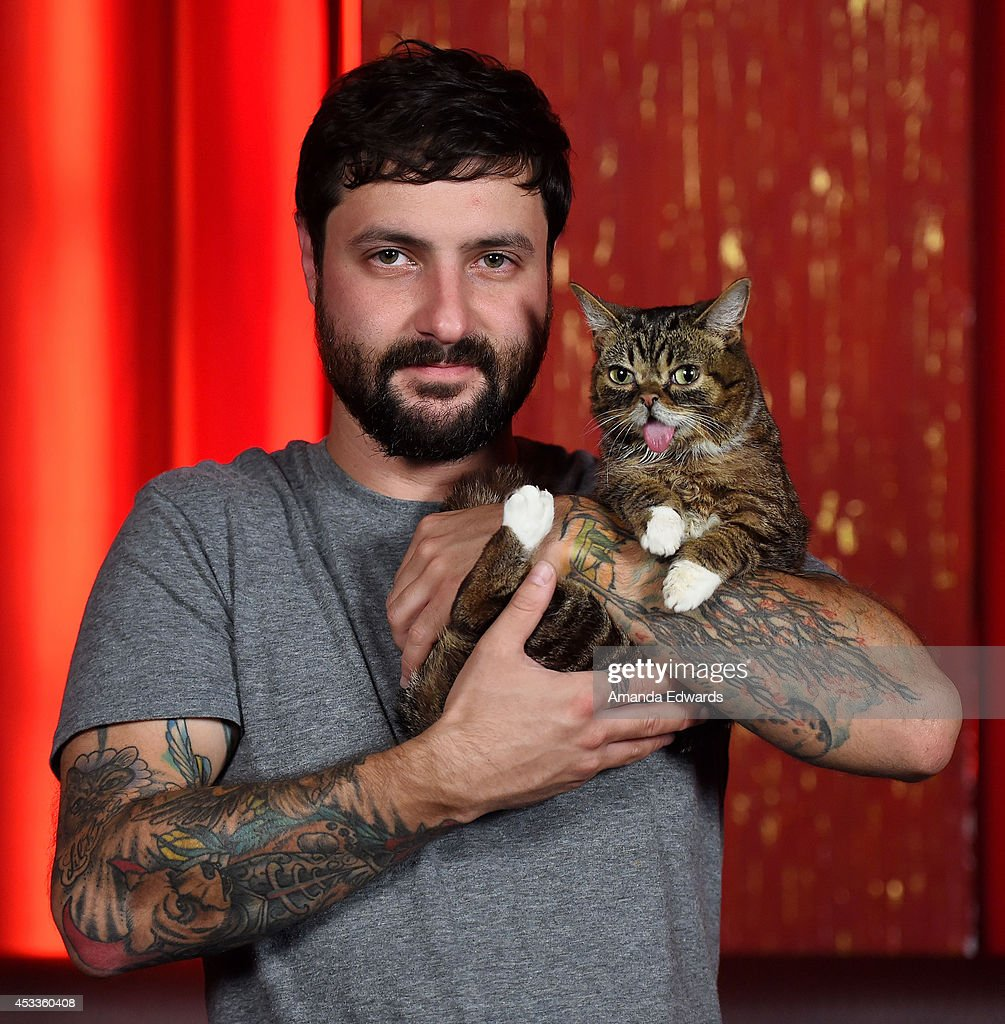 Lil bub meet and greet los angeles ca photos and images getty celebrity cat lil bub and her owner mike bridavsky attend the lil bub meet and greet m4hsunfo