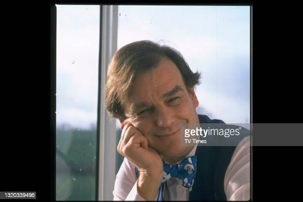 Celebrity chef and television presenter Keith Floyd photographed at home, circa 1989.
