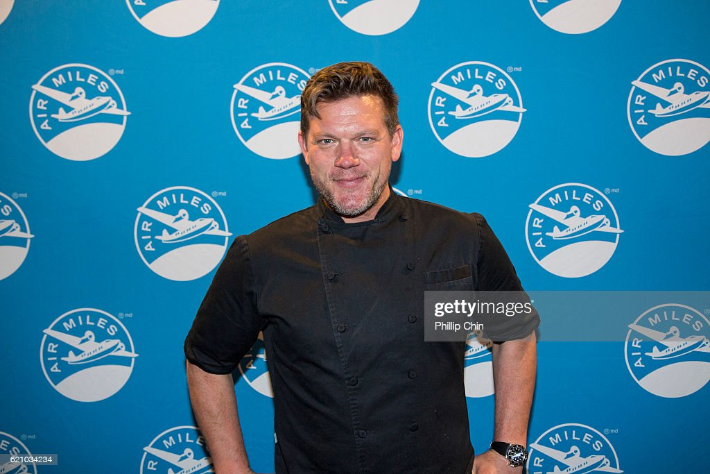 Air Miles Events Presents Exclusive Dinner With Celebrity Chefs Tyler Florence And Ned Bell : News Photo