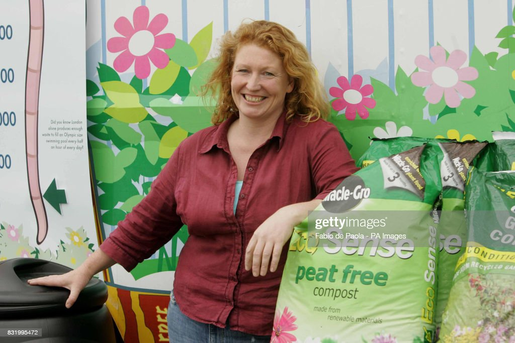 Celebrity Gardener Charlie Dimmock Signs The Compost Charter, Part Of The  Know Your Compost Campaign
