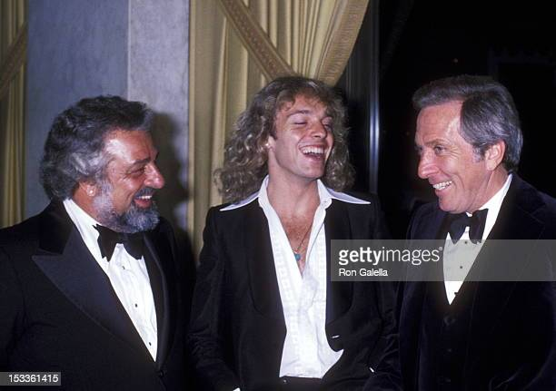 Celebrity manager Dee Anthony musician Peter Frampton and singer Andy Williams attend The City of Hope's Spirit of Life Award Dinner Salute to Clive...