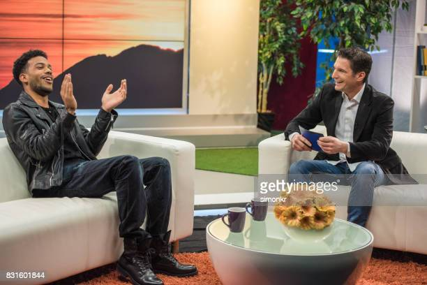 celebrity talk show - television host stock pictures, royalty-free photos & images