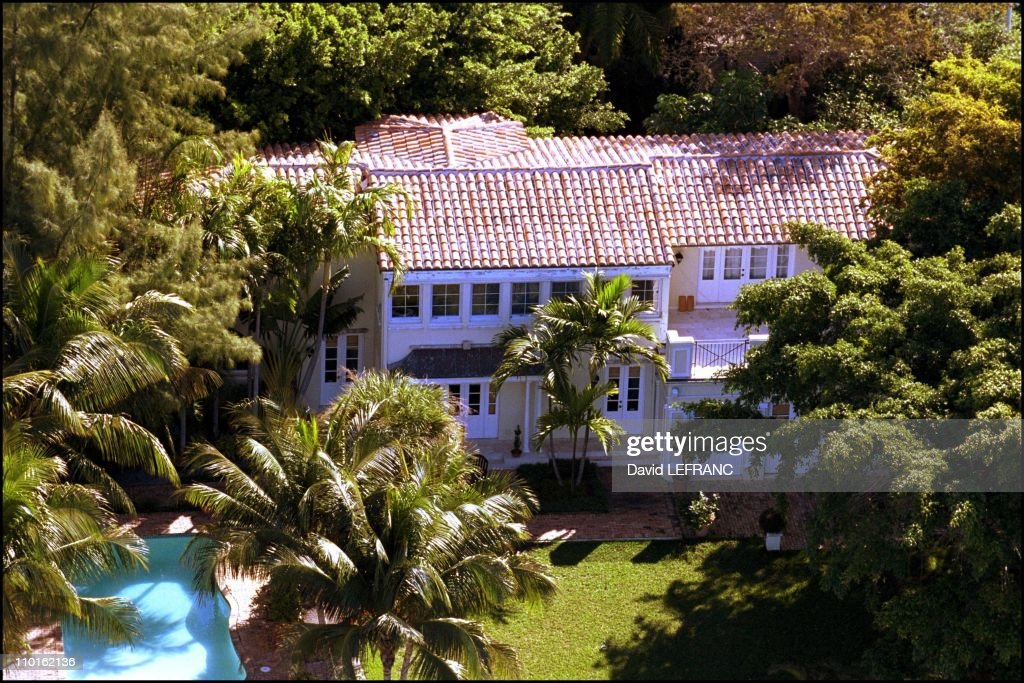 Celebs' mansions in Miami, United States on February 09, 2001. : News Photo