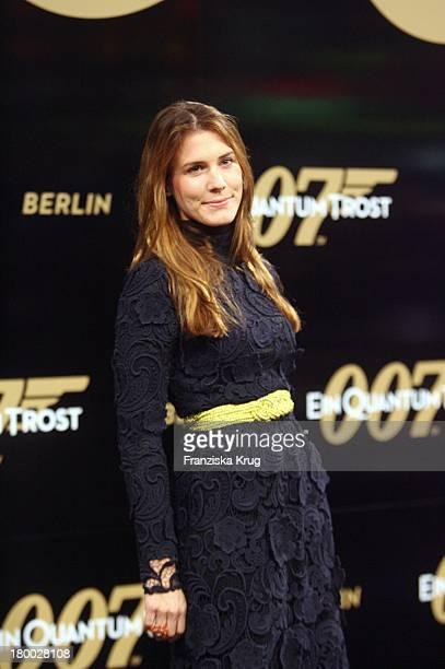Celia Von Bismarck Bei Der 007 Ein Quantum Trost Premiere Im Cinestar Am Potsdamer Platz In Berlin Am 031108