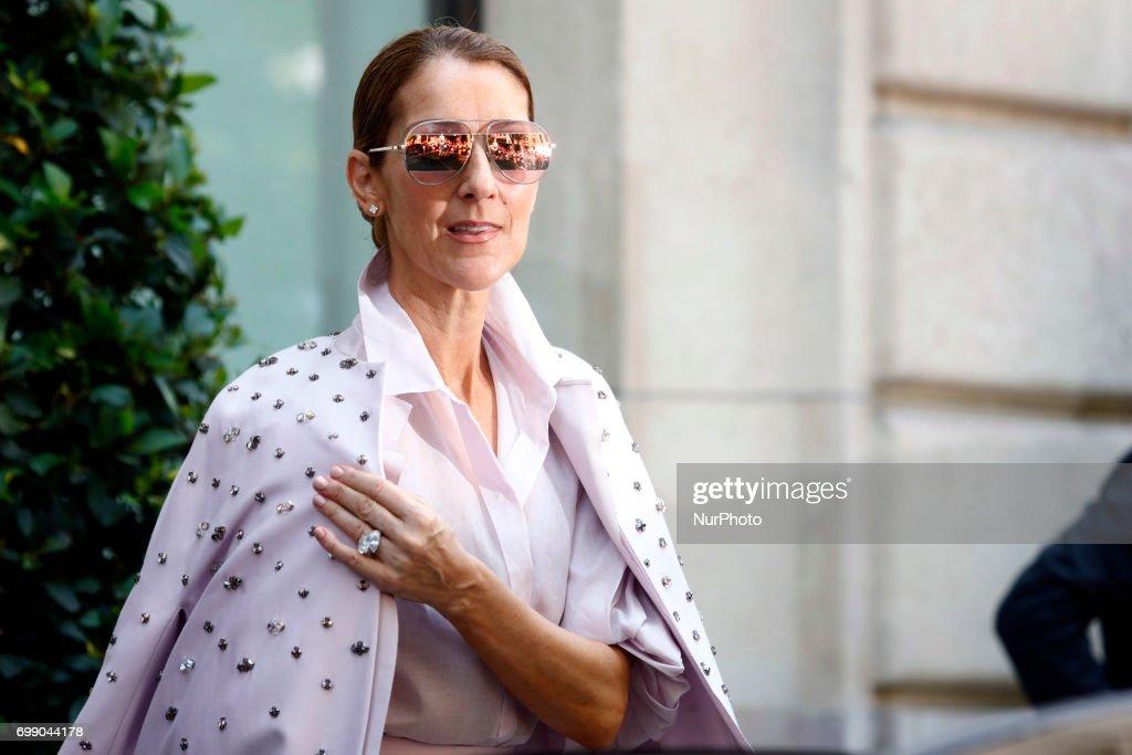 Celine Dion In Paris : Nachrichtenfoto