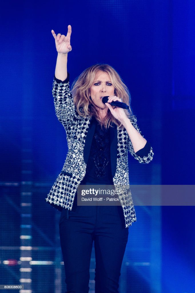 Celine Dion Performs At AccorHotels Arena : News Photo