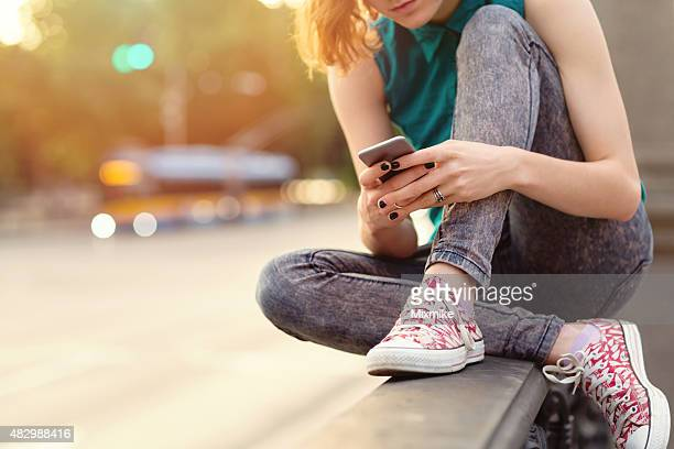 cell phone break up - youth culture stock pictures, royalty-free photos & images