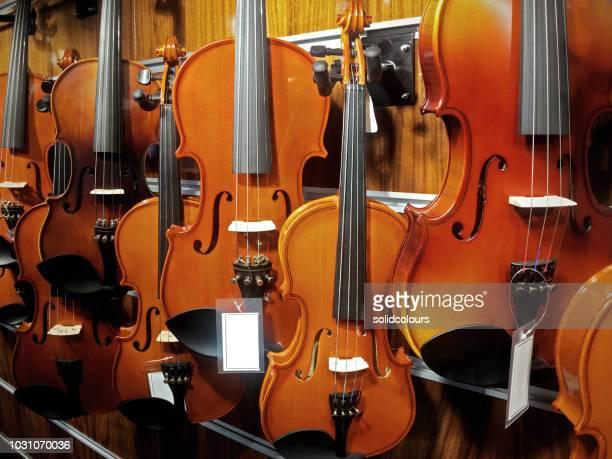 cello - violino foto e immagini stock