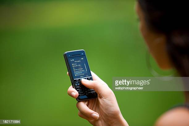 cellphone massage - phone message stock pictures, royalty-free photos & images