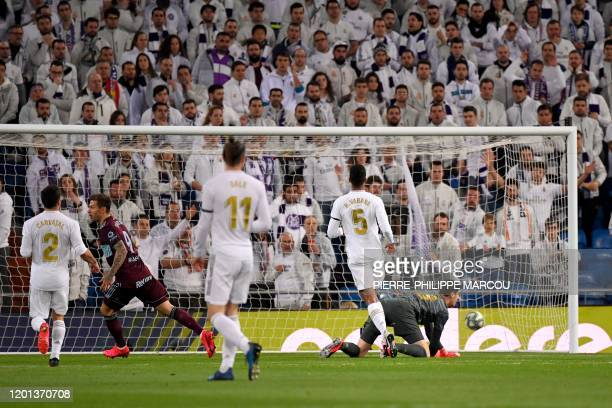 Celta´s Russian forward Fyodor Smolov celebrates after scoring during the Spanish league football match between Real Madrid CF and RC Celta de Vigo...