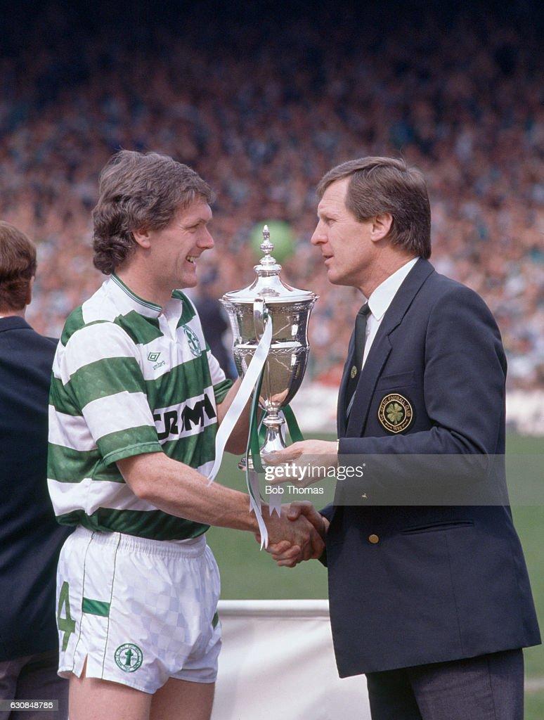Glasgow Celtic Win The Scottish Premier Division Championship : News Photo