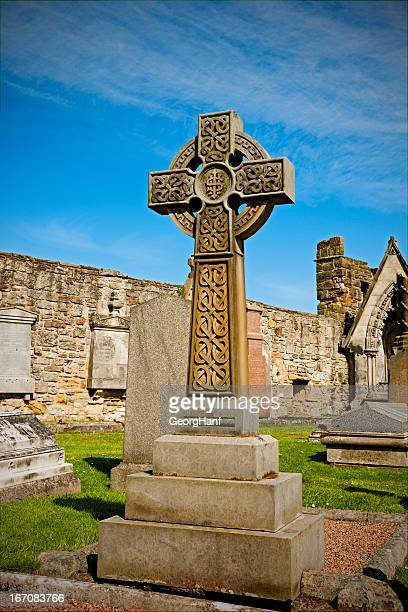 celtic cross - st. andrews scotland stock pictures, royalty-free photos & images