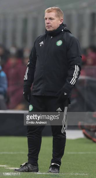Celtic FC head coach Neil Lennon looks on during the UEFA Europa League Group H stage match between AC Milan and Celtic at San Siro Stadium on...