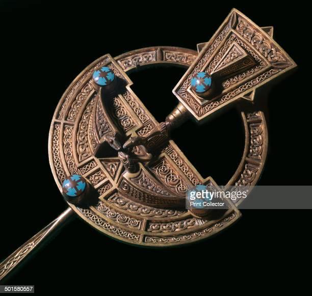 Celtic giltsilver brooch from Ireland 8th century