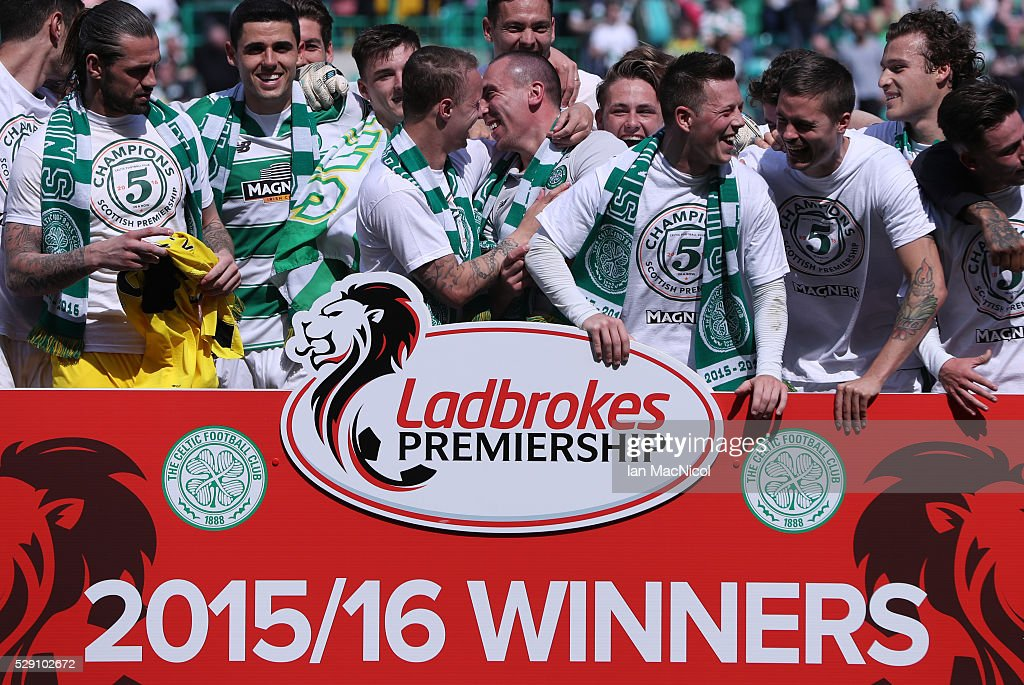 Celtic players celebrate at the end of the match during the Ladbrokes Scottish Premier League match between Celtic and Aberdeen at Celtic Park on May 8, 2016 in Glasgow, Scotland.