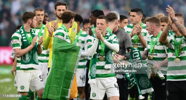 Celtic players celebrate at the final whistle during the Ladbrokes Scottish Premiership match between Celtic FC and Heart of Midlothian FC at Celtic...