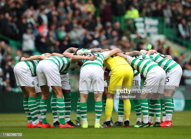 Celtic players huddle prior to the Ladbrokes Scottish Premiership match between Celtic and Hearts at Celtic Park on May 19 2019 in Glasgow Scotland
