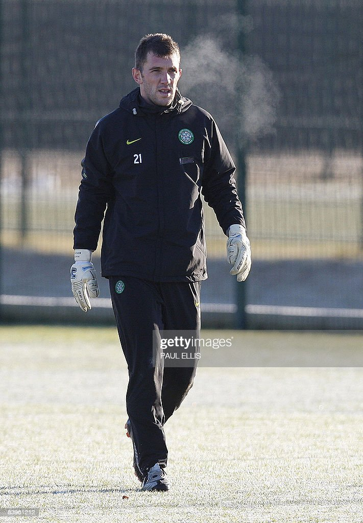 Celtic's Scottish goalkeeper Mark Brown : News Photo