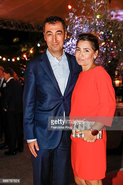 Cem Oezdemir and his wife Pia Maria Castro attend the BILD100 event on September 06 2016 in Berlin Germany