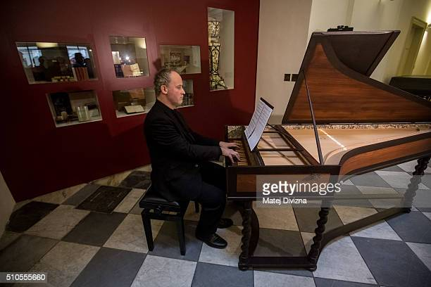 Cembalo player Lukas Vendl performs the cantata 'Per la Ricuperata Salute di Offelia' created by composers Wolfgang Amadeus Mozart and Antonio...