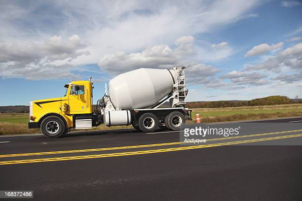 cement truck ストックフォトと画像 getty images