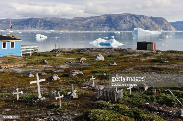 Cemetery in West Greenland 80 km north of Ilulissat Due to the shortcomings of organic material in the arctic parts of Greenland soil and dirt is...