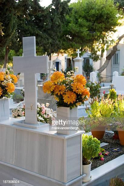 cimitero - monumento commemorativo foto e immagini stock