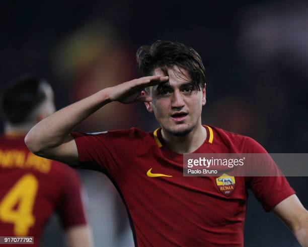 Cengiz Under of AS Roma celebrates after scoring the team's third goal during the serie A match between AS Roma and Benevento Calcio at Stadio...