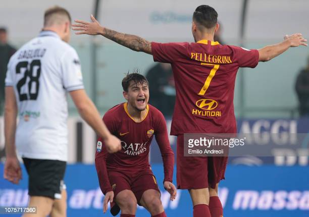 Cengiz Under of AS Roma celebrates his goal with his teammate Lorenzo Pellegrini during the Serie A match between Parma Calcio and AS Roma at Stadio...