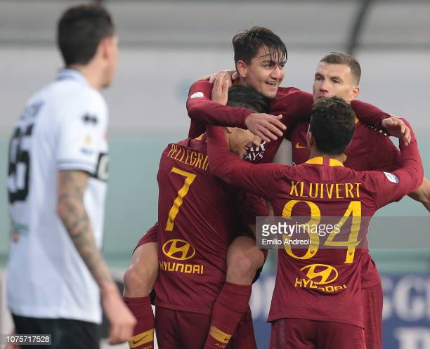 Cengiz Under of AS Roma celebrates his goal with his teammates during the Serie A match between Parma Calcio and AS Roma at Stadio Ennio Tardini on...