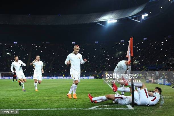 Cengiz Under of AS Roma celebrates his goal with teammates during the UEFA Champions League Round of 16 First Leg match between Shakhtar Donetsk and...