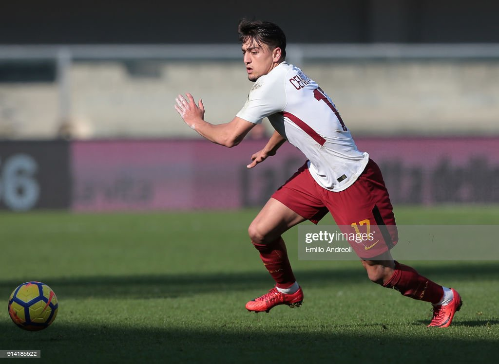 Cengiz Under of AS Roma in action during the serie A match between Hellas Verona FC and AS Roma at Stadio Marc'Antonio Bentegodi on February 4, 2018 in Verona, Italy.