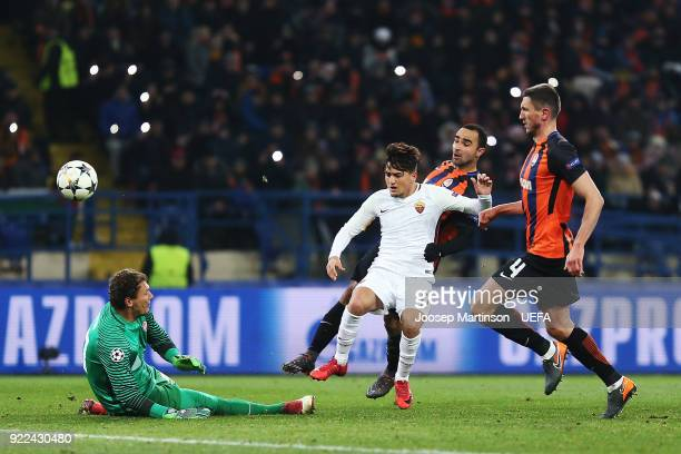 Cengiz Under of AS Roma scores a goal during the UEFA Champions League Round of 16 First Leg match between Shakhtar Donetsk and AS Roma at Metalist...