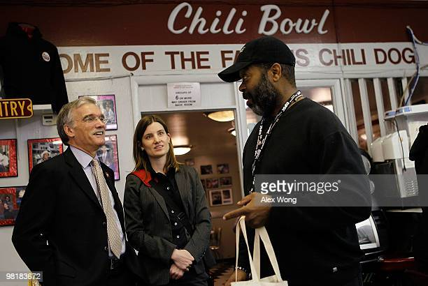 S Census Bureau Director Robert Groves chats with a local resident during an event to promote the Census 2010 at Ben�s Chili Bowl April 1 2010 in...