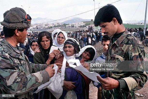 Census of the Kurdish refugees by the Iraqi army Sulaimaniya in April 1991