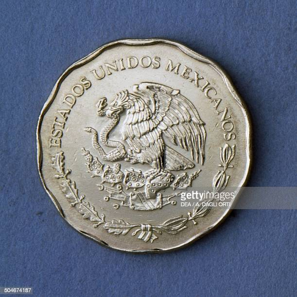 50 centavos coin obverse coat of arms Mexico 20th century