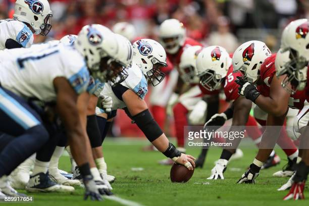 Center Ben Jones of the Tennessee Titans prepares to snap the football during the first half of the NFL game against the Arizona Cardinals at the...