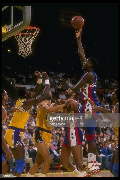 Center Charles Shackleford of the New Jersey Nets goes up for two during a game versus the Los Angeles Lakers at the Great Western Forum in Inglewood...