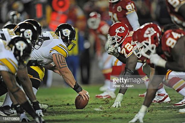 Center Doug Legursky of the Pittsburgh Steelers gets ready to snap the ball against defensive end Glenn Dorsey of the Kansas City Chiefs during the...